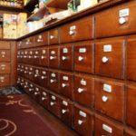 Erboristeria Città Antica – interno prodotti suddivisi chiusi