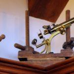 Erboristeria Città Antica – interno strumenti antichi